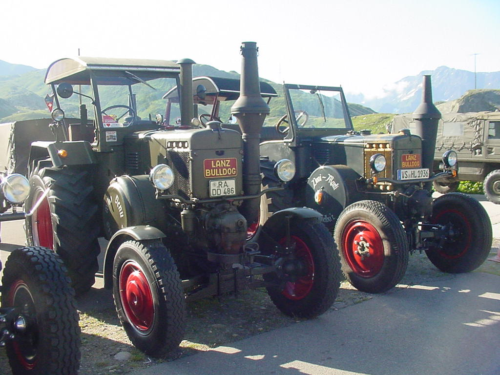 lanz bulldog with Index0006 on Skoda Liaz furthermore Unsere Oldtimers as well 4932227 lanz Eilbulldog Rood together with Watch as well Lanz Bulldog Bulldog Tractor 1537285.